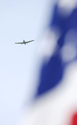 planeflagflyover
